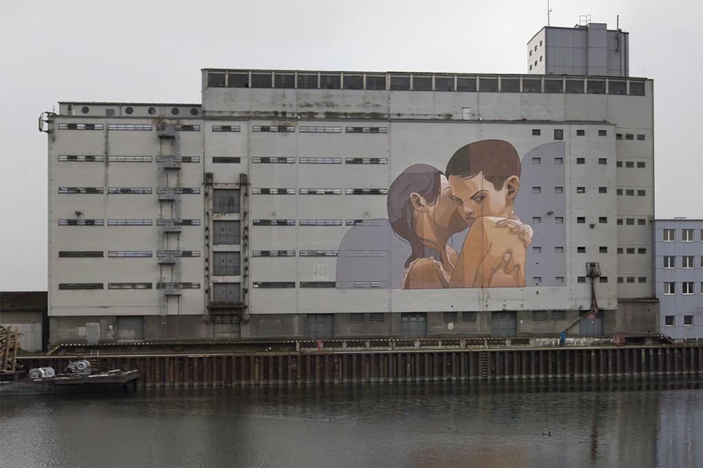 Aryz mural called overprotection